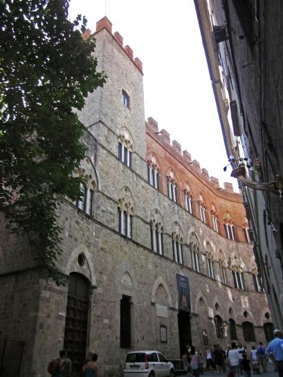 Siena_Street2